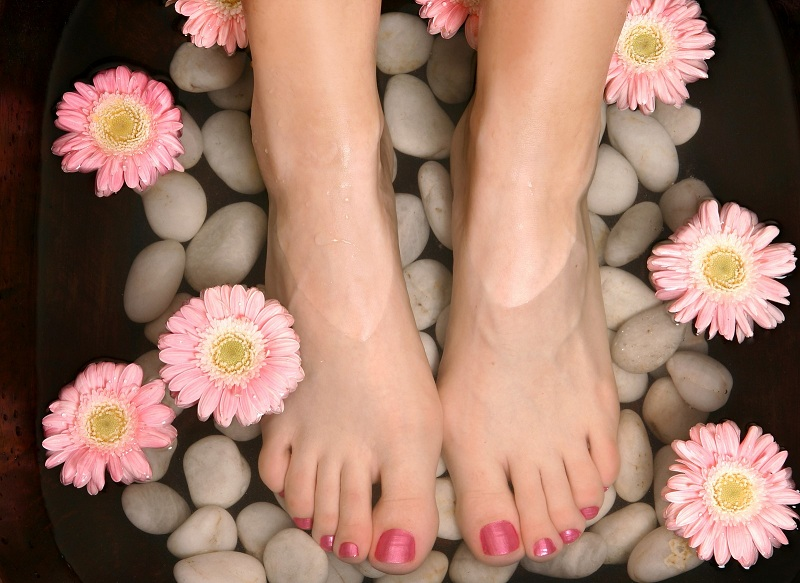 Baths and massages for the feet